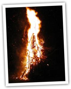 Bonfire photo for Guy Fawks chili recipe
